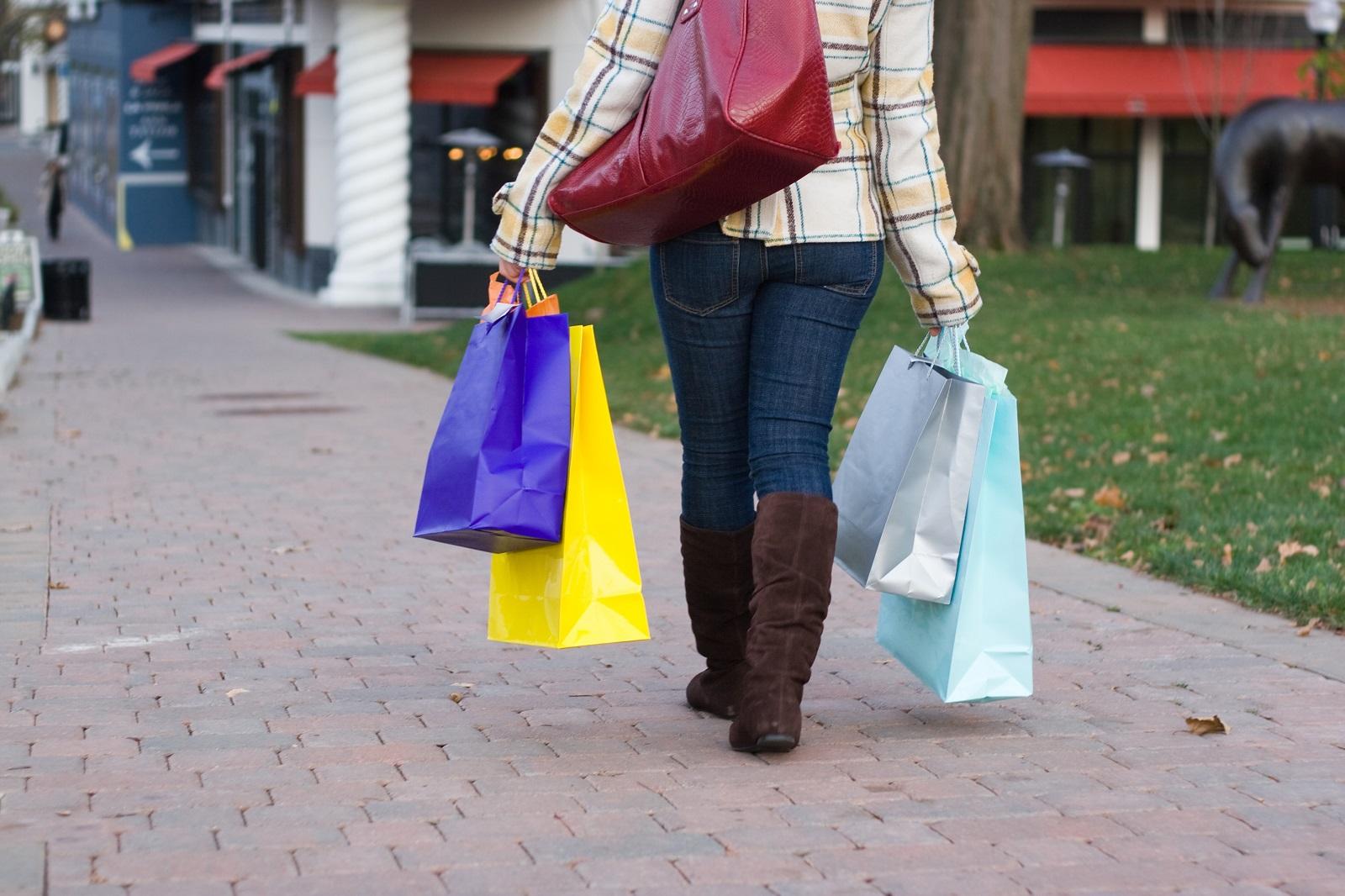 Czy torby papierowe mogą zastąpić plastikowe reklamówki?